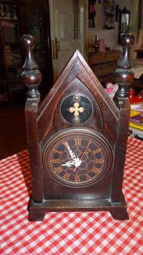 Reloj Antiguo Tipo Capilla De Madera Electico