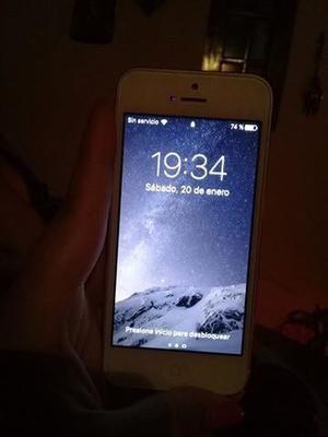 Vendo IPhone 5 impecable poco uso blanco y Plata liberado