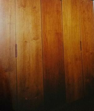 Placard con cinco puertas de madera maciza