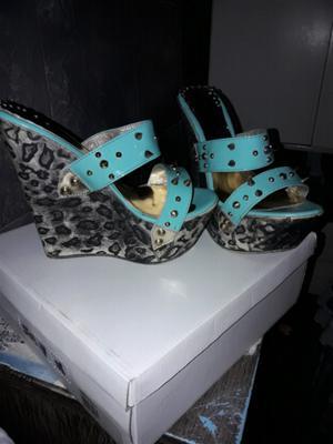 Vendo sandalias con tachas