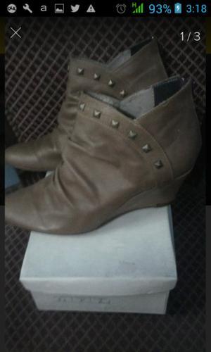 Botas cortas con tachas para mujer numero 38