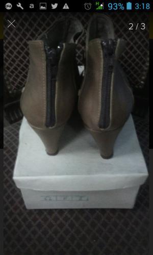 Botas cortas para mujer con tachas numero 38