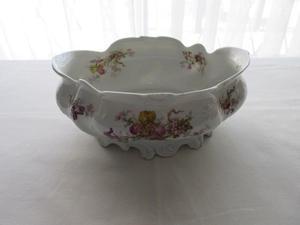Centro de mesa antiguo de porcelana francesa, con sello,