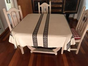 Juego de mesas + cuatro sillas