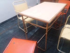 Vendo 4 sillas y mesa de hierro