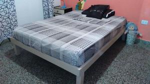 cama 2 plazas de pino, excelente estado, regalo colchón
