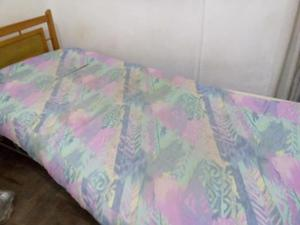 Colchón de una plaza relleno de lana