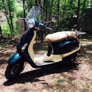 Scooter Zanella 150, Verde ingles. Solo 700 km!