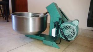 Amasadora Industrial Martino 20kgs.