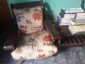Juego de living de sillones y mesa ratona de algarrobo
