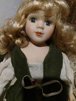 Muñeca de Porcelana de Colección Wamana