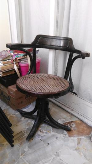Antiguo sillón Thonet, giratorio, original, a reparar las