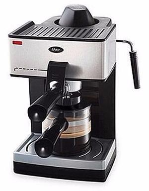 Cafetera Oster® para café espresso y cappuccino, cuatro