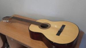 Guitarra criolla nueva