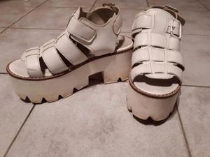 Sandalias de tiras blancas Nº 36