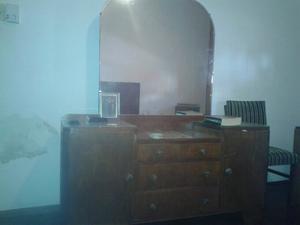 Tocador antiguo estilo art decó con 2 mesas de luz y