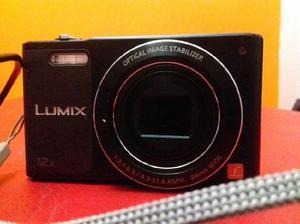 Vendo cámara digital Panasonic Lumix con todos sus