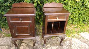 Hermosas mesas de luz antiguas en madera de Roble