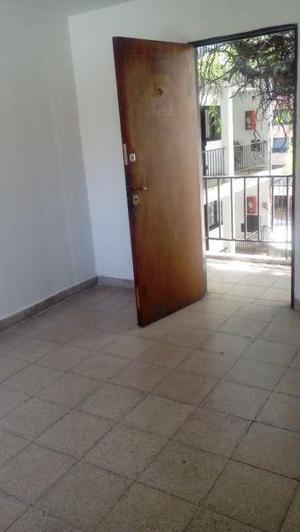 Arturo Bas 300 1 privado en alquiler