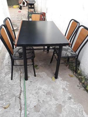 Juego mesa + 5 sillas