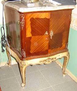 Par de mesas de luz estilo francés Luis XV marqueterie