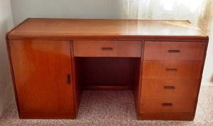 escritorio o comoda de madera