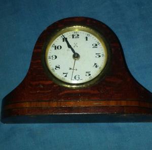 Reloj antiguo a cuerda aleman