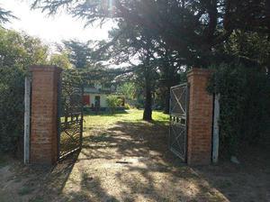 Alquiler casa quinta con amplio parque, quincho y pileta