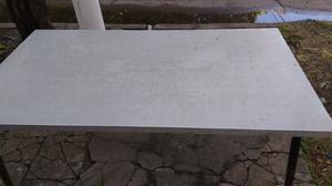 Antigua mesa para cocina de formica base metálica