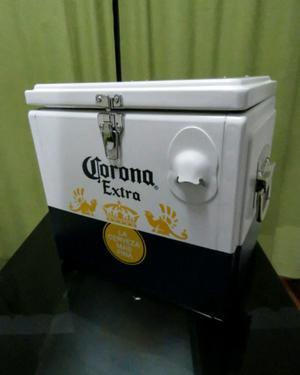 Conservadora Corona para 12 botellas de 335cc.
