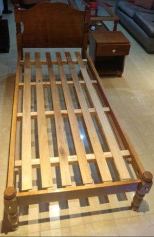 Vendo juego de dormitorio, dos camas y mesa de luz