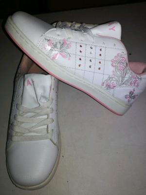 Zapatillas de mujer nuevas