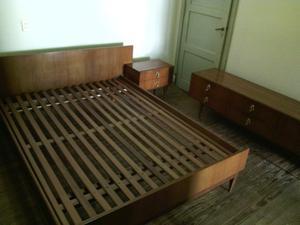 Juego de dormitorio antiguo. Década del 70