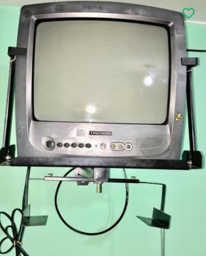 Tv Daewoo 14'' con Soporte de pared
