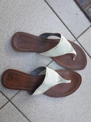 Vendo sandalia chatita Ricky Sarkany
