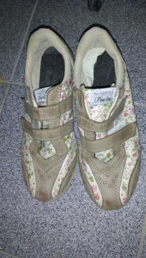 Vendo zapatillas de mujer usadas