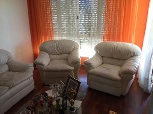 Venta de juego de sillones, 1 de tres cuerpos y 2 de un