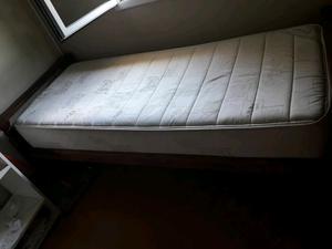 Vendo cama divan de algarrobo!!!!