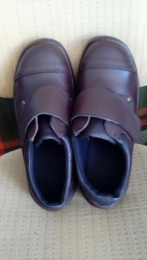 Zapatos de Seguridad Linea PAMPERO Modelo PETRO, Nº 42