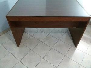 2 escritorios, mueble de escritorio y silla con rueditas