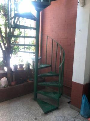 Escaleras Caracol Usadas. Escaleras De Hierro Zona Sur. Escaleras ...