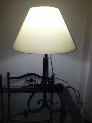 LAMPARA DE HIERRO FORJADO.