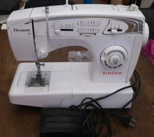 Maquina de coser Singer Florencia 68.