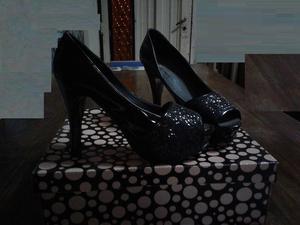 Vendo Zapatos Negros de Mujer N°38