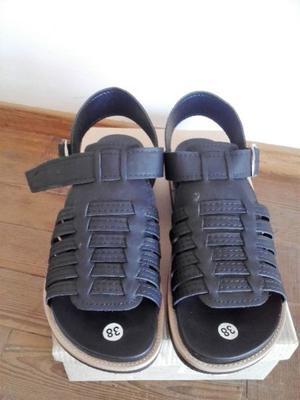 Vendo sandalias SIN USO talle 38