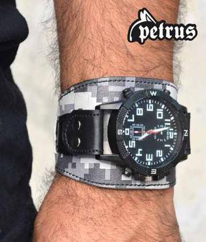 5552fc5e51b9 Brazalete de cuero con reloj - muñequera !!! nuevos