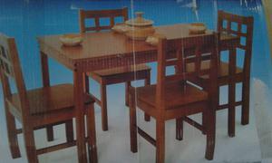 Mesa con 4 sillas para armar sin uso