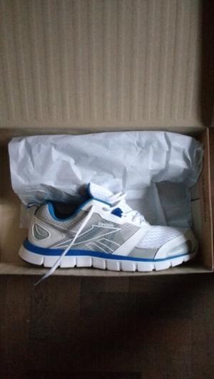 Vendo zapatillas reebook sin uso en caja