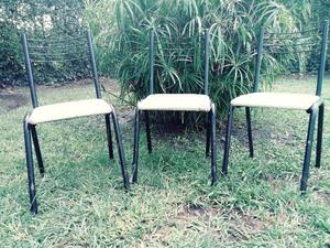 3 sillas para restaurar.