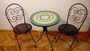 Juego de 2 sillas + mesita de jardin, exelente estado